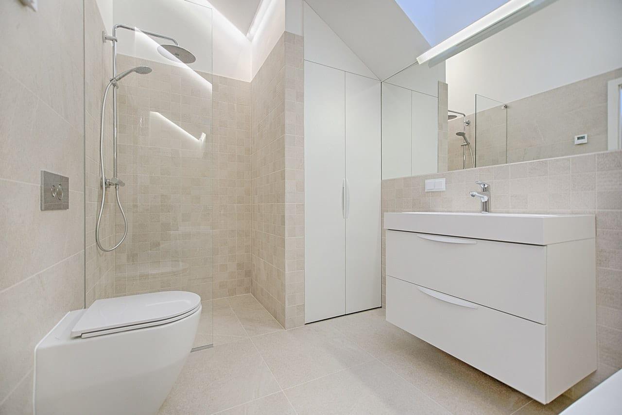 Prysznic bez brodzika – jak zrobić?