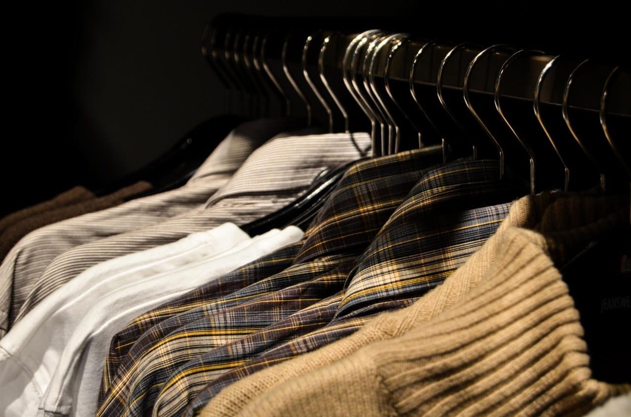 Jak usunąć żywicę z ubrania?