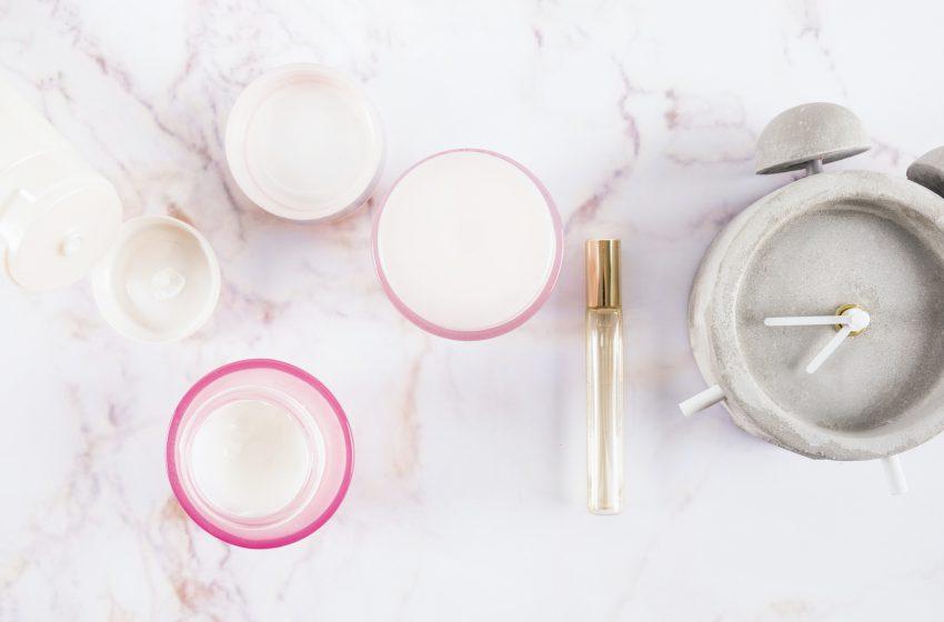 Pielęgnacja twarzy bez podrażnień – na co zwrócić uwagę przy wyborze kosmetyków?