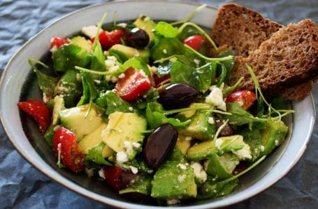 Co jeść, aby schudnąć? Krótki poradnik